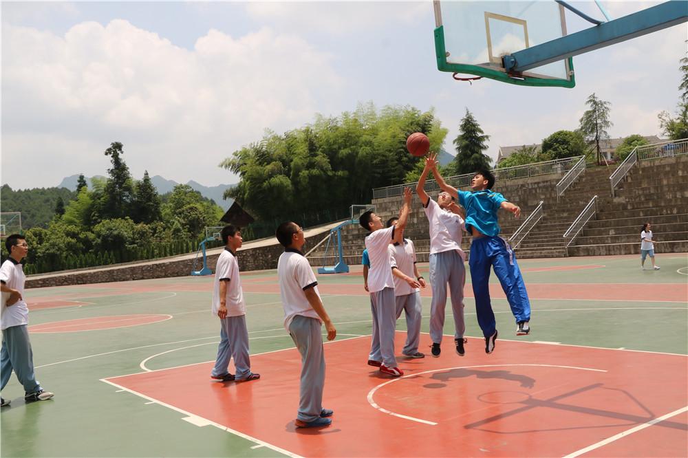 05.两校友谊篮球赛